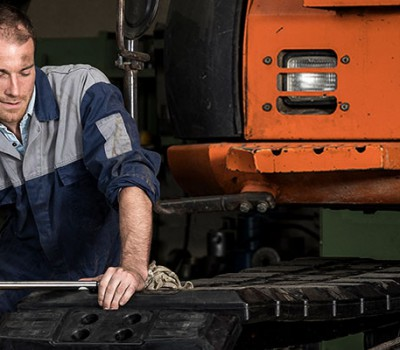 Which rubber pad is the best choice for your steel undercarriage?